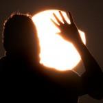 first partial solar eclipse 2011 viewers hand 30849 600x450 150x150 Затмение.............А мы уже подготовились!